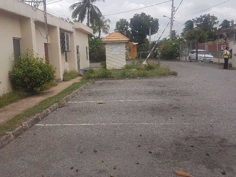 RE/MAX real estate, Jamaica, May Pen, 18 Manchester Avenue Clarendon May Pen