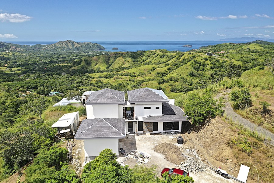 Remax real estate, Costa Rica, Playa del Coco, Ladera del Mar Lot 9 Spec Home