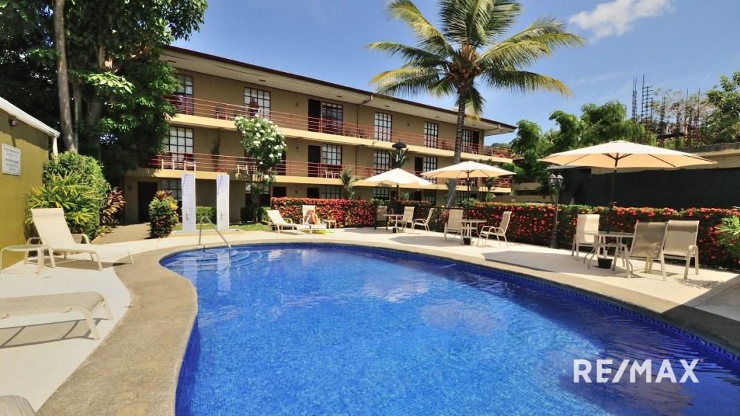 Remax real estate, Costa Rica, Jaco, Spacious Top Floor Unit Sueños Del Paraiso Jaco Beach