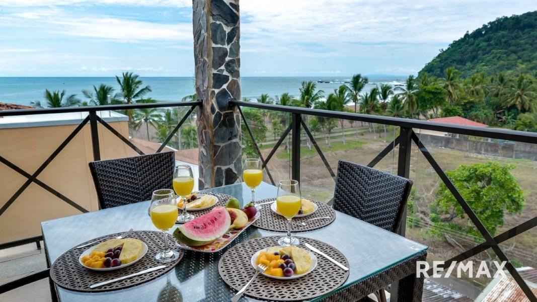 Remax real estate, Costa Rica, Jaco, Bahia Encantada E5 Penthouse w/Private Roof Top Terrace