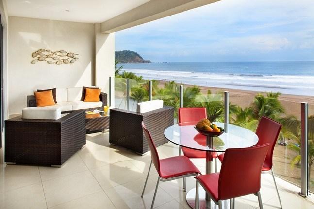 Remax real estate, Costa Rica, Jaco, Diamante del Sol N402 Ocean Front