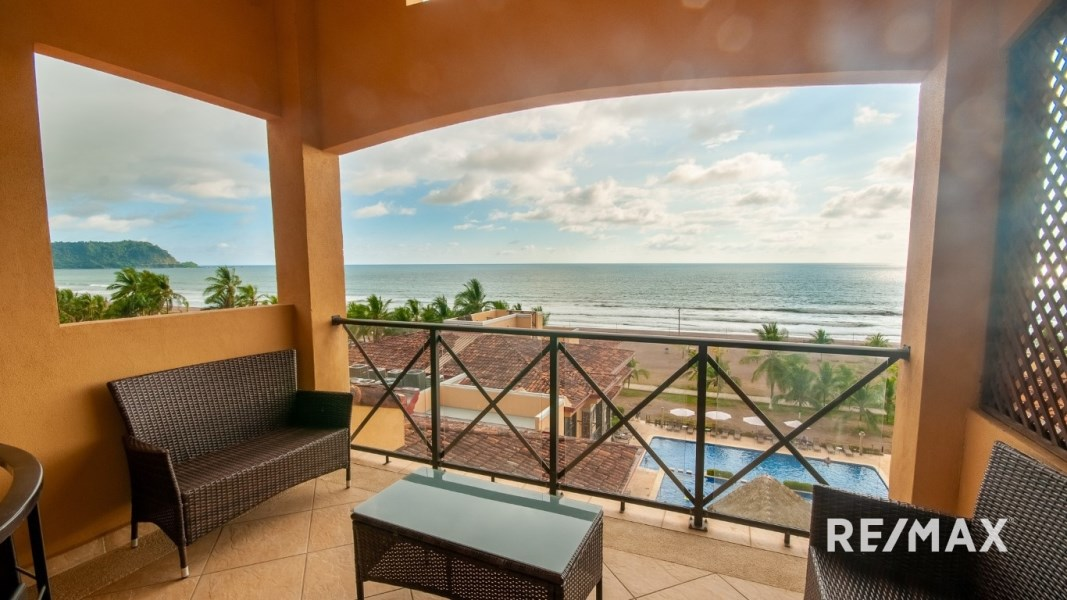 Remax real estate, Costa Rica, Jaco, Bahia Encantada G5 Oceanfront Penthouse w/Private Roof Top Deck