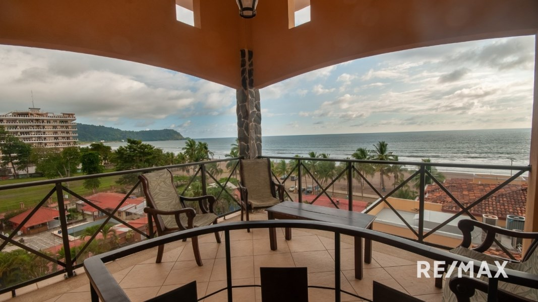 Remax real estate, Costa Rica, Jaco, Bahia Encantada H5 3 bedroom Penthouse w/Private Roof Top Terrace