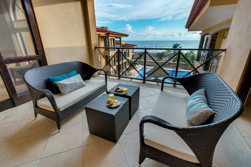 Remax real estate, Costa Rica, Jaco, Bahia Encantada F4 Direct Oceanfront View Large Remodeled Condo Jaco Beach