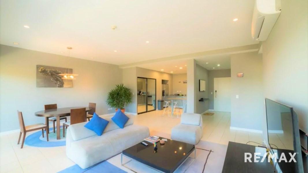 Remax real estate, Costa Rica, Jaco, Large 2 bedroom condo
