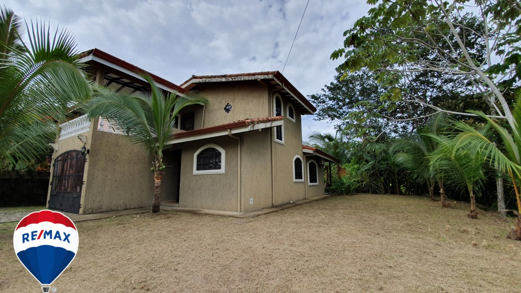 Remax real estate, Costa Rica, Esterillos, Titled Home | Hills of Esterillos | Gated Community | Near Beach