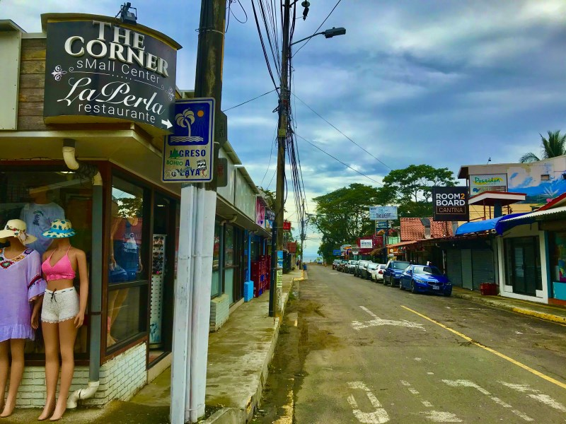 Remax real estate, Costa Rica, Jaco, Commercial Center La Perla/ The Corner Downtown Jaco   Costa Rica