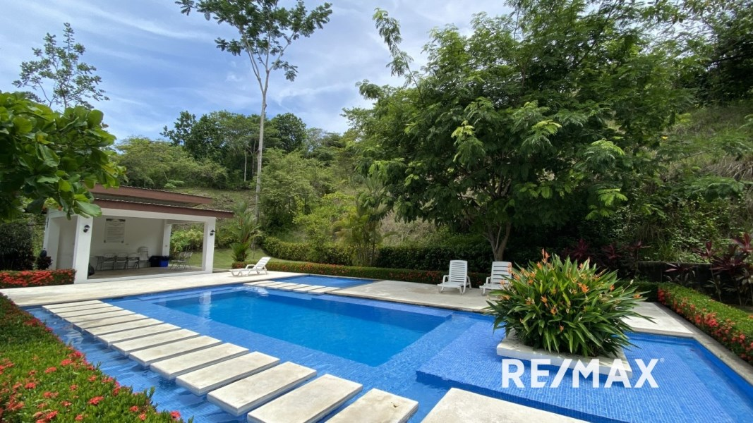 Remax real estate, Costa Rica, Jaco, BEAUTIFUL & SPACIOUS HOUSE IN HACIENDA VERDE | JACO | COSTA RICA