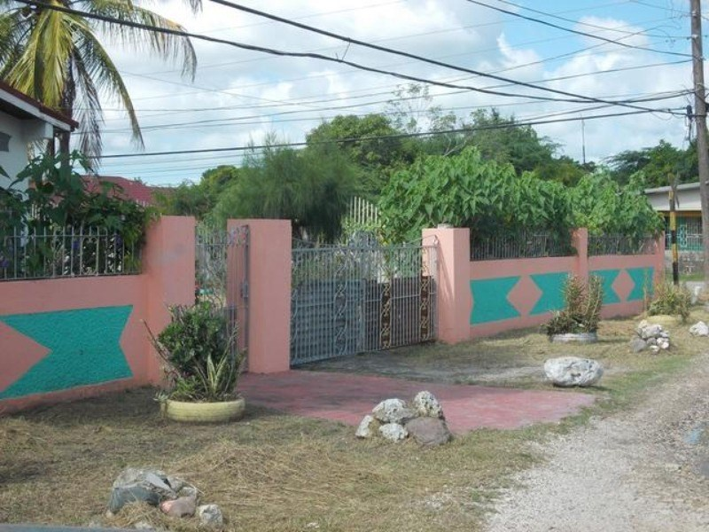RE/MAX real estate, Jamaica, May Pen, Sunnyfield Avenue  Clarendon May Pen