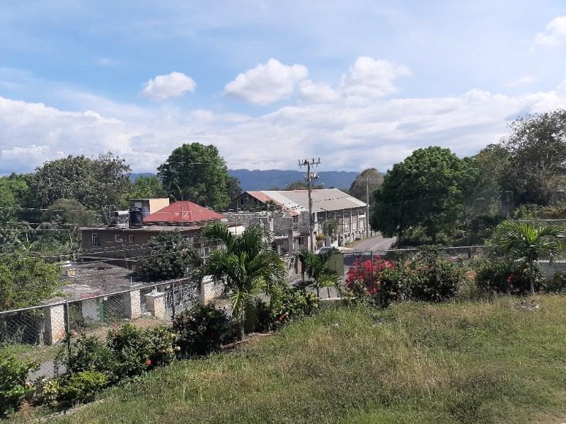 RE/MAX real estate, Jamaica, Montego Bay, Vernon Crescent St. James Montego Bay