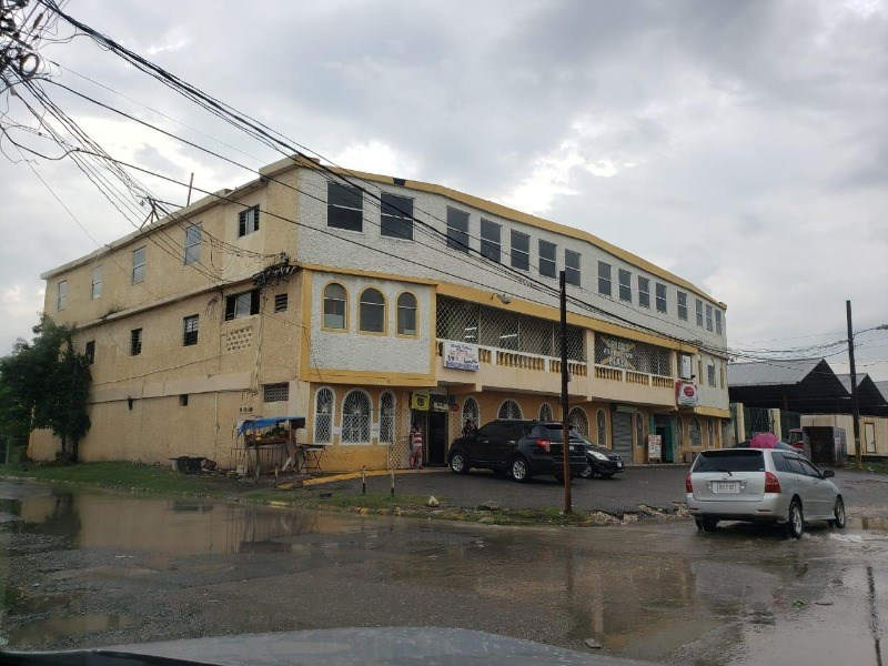 RE/MAX real estate, Jamaica, Spanish Town, 71 & 72 Twickenham Gardens  St. Catherine Spanish Town