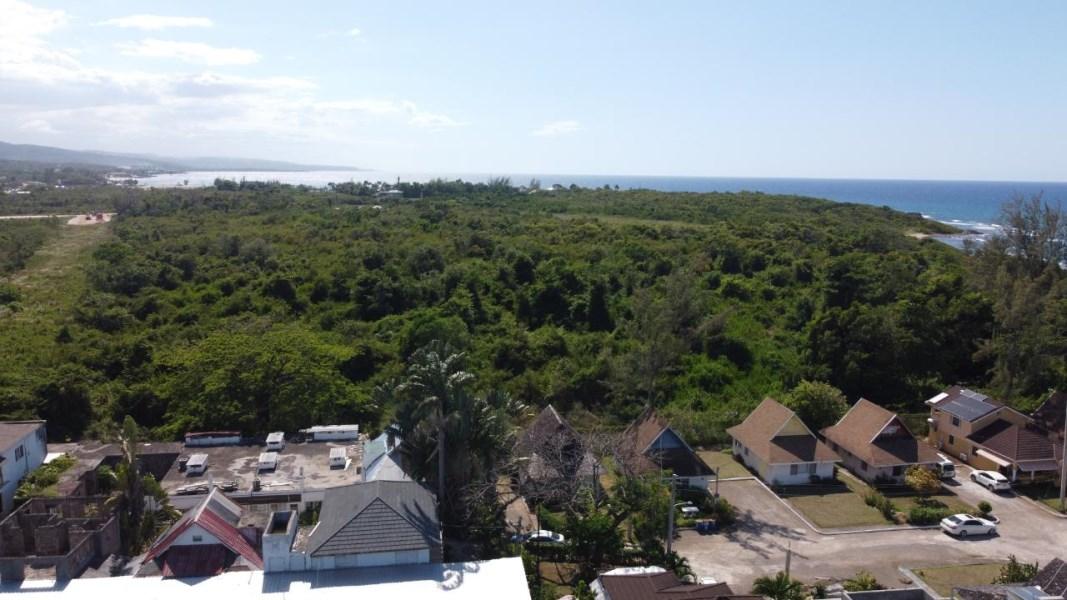 RE/MAX real estate, Jamaica, Ocho Rios, CARIBBEAN VILLAGE St. Ann Ocho Rios