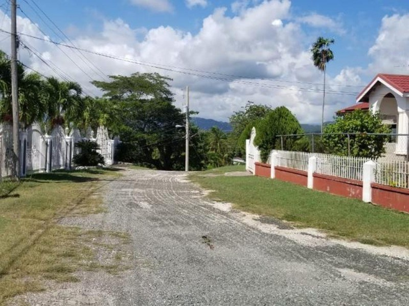 RE/MAX real estate, Jamaica, May Pen, Unit No. 7 Paisley Avenue  Clarendon May Pen
