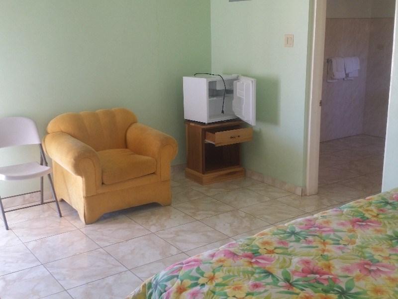 RE/MAX real estate, Jamaica, Runaway Bay, Main Sreet St. Ann Runaway Bay