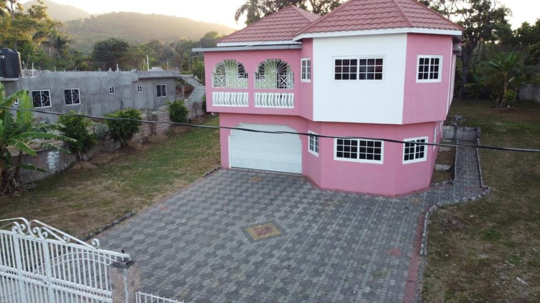 RE/MAX real estate, Jamaica, Ocho Rios, LIBERTY HILL St. Ann Ocho Rios