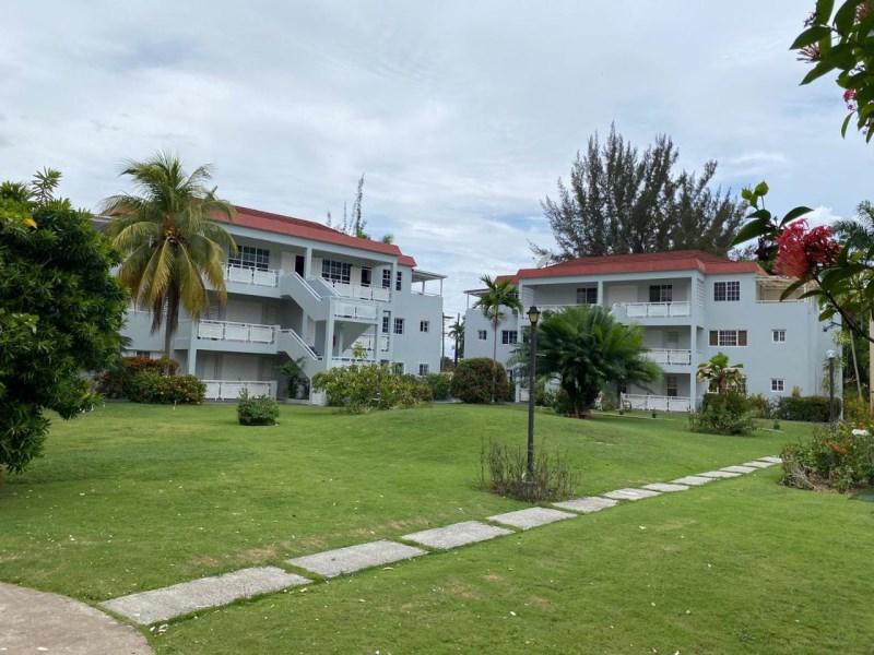 RE/MAX real estate, Jamaica, Montego Bay, OCEAN PINES, FREEPORT St. James Montego Bay
