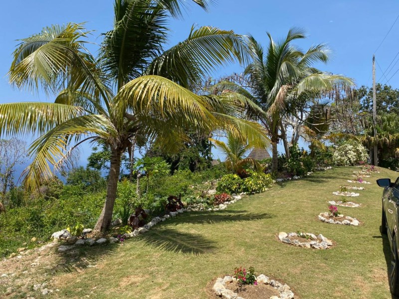 RE/MAX real estate, Jamaica, Montego Bay, UNITY HALL St. James Montego Bay