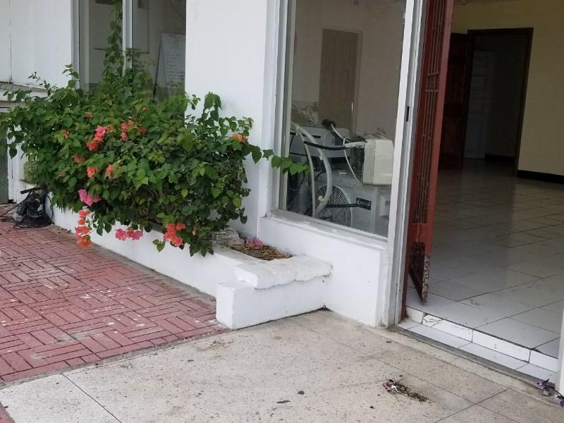 RE/MAX real estate, Jamaica, Montego Bay, Kent Ave St. James Montego Bay