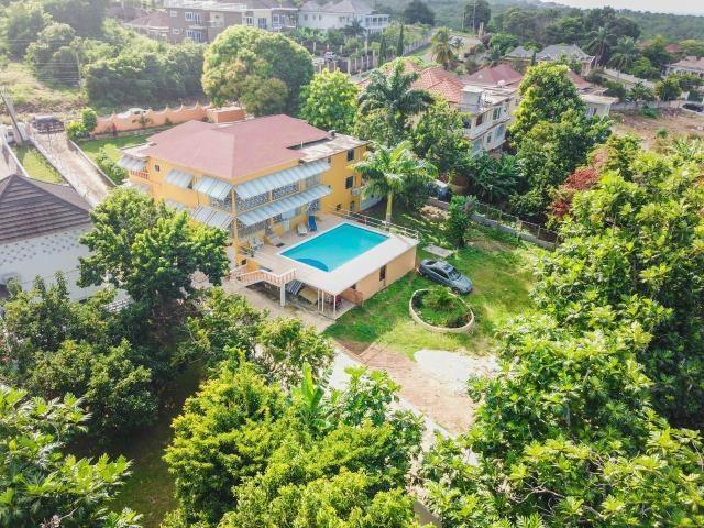 RE/MAX real estate, Jamaica, Montego Bay, 231 BRATTON ROAD St. James Montego Bay