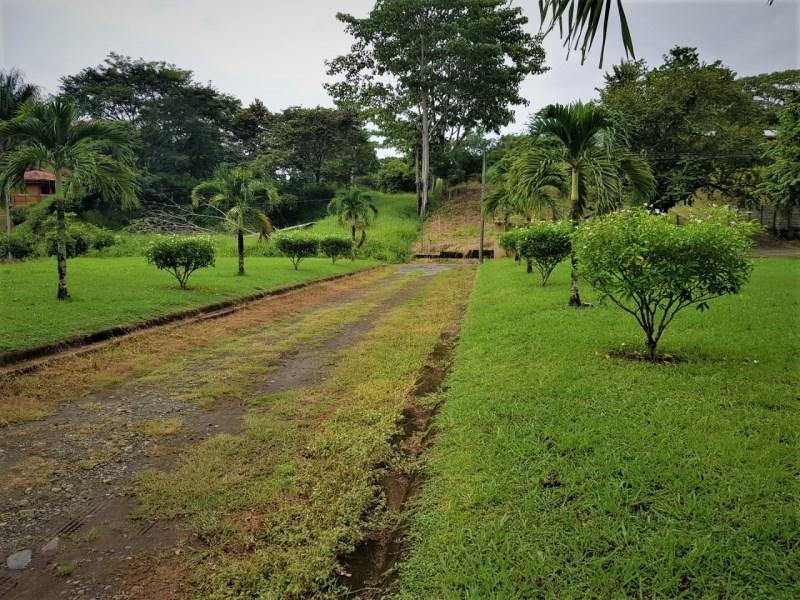 Remax real estate, Costa Rica, Parrita, Esterillos Oeste lot ready to build no HOA fees