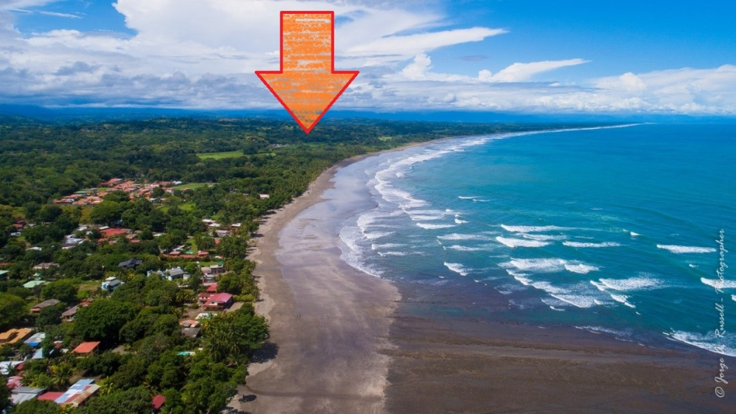 Remax real estate, Costa Rica, Parrita, Esterillos Panoramic ocean view lot ready to build gated