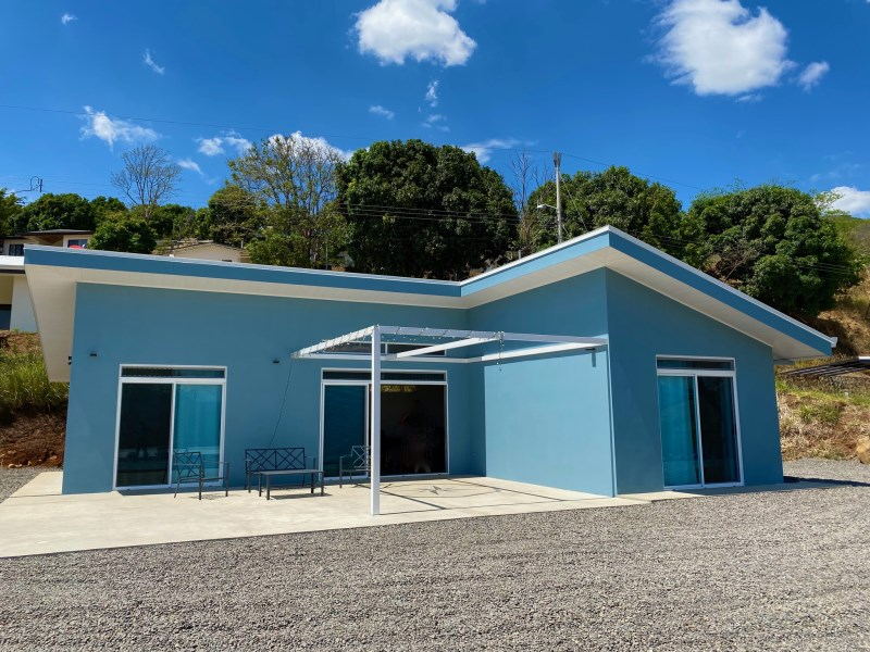 Remax real estate, Costa Rica, Atenas, New home in gated community just minutes from Atenas.