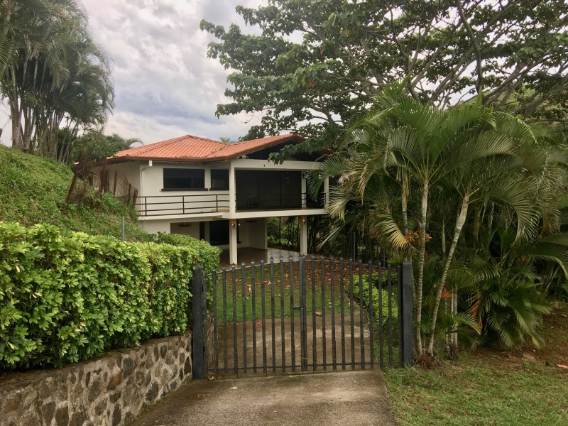 Remax real estate, Costa Rica, Atenas, 2 story home for rent in gated community