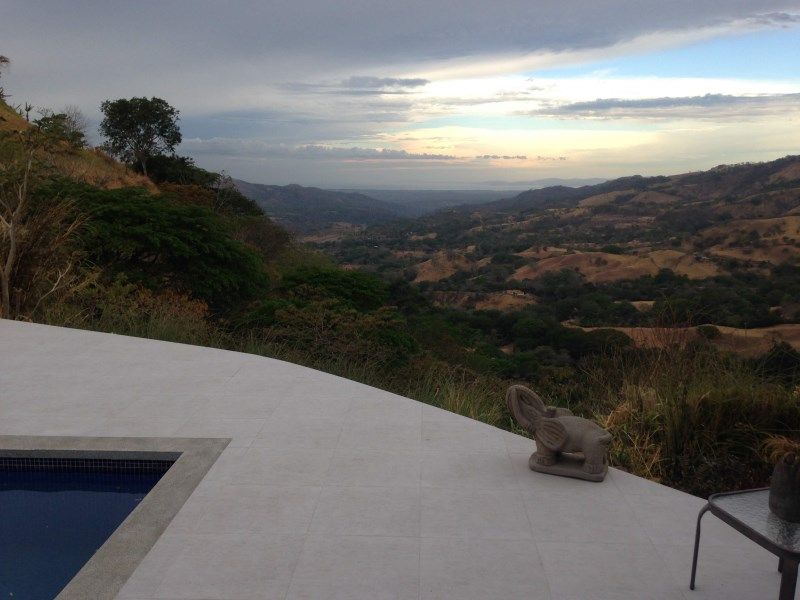 Remax real estate, Costa Rica, Atenas, Modern style home with big views of The Pacific
