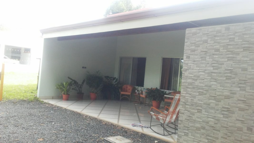 Remax real estate, Costa Rica, Atenas, Modern style home like new in Atenas Center