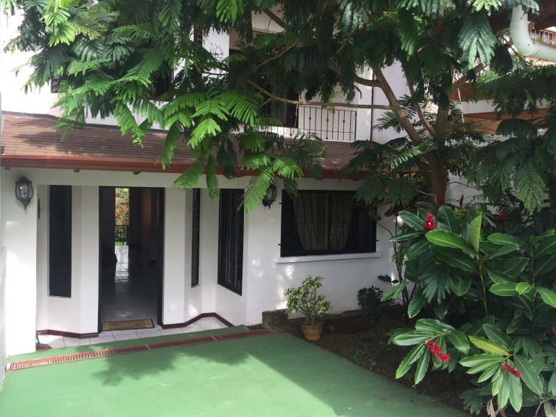 Remax real estate, Costa Rica, Atenas, Home is only a 10 minute walk from Atenas Center