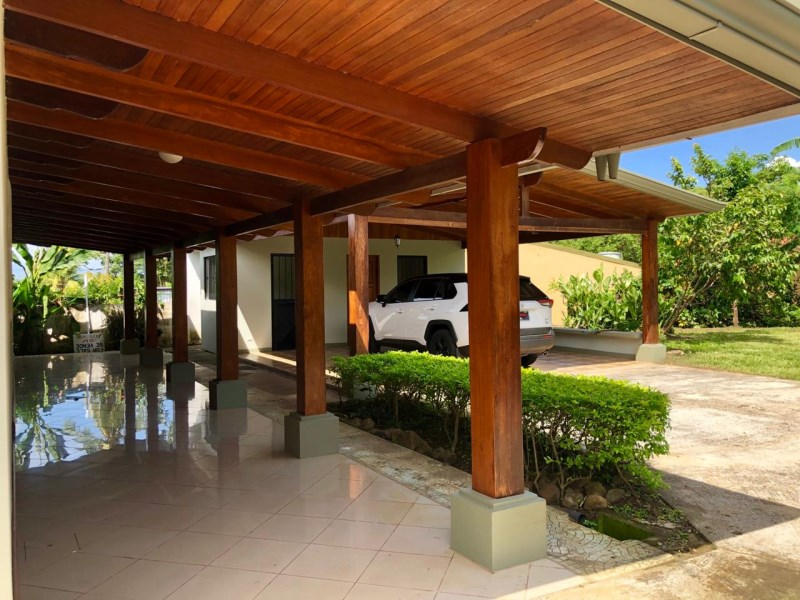 Remax real estate, Costa Rica, Atenas, Large property with beautiful house or perfect commercial place in Athens