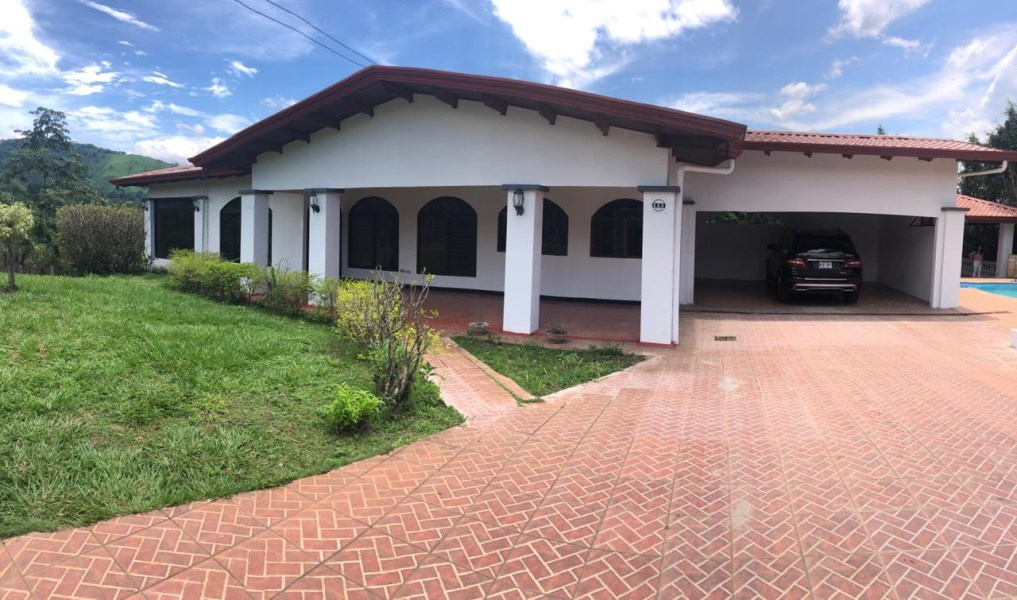 Remax real estate, Costa Rica, Atenas-Santa Eulalia, Country style home with great pool and terraced area