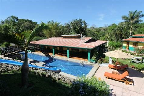 Remax real estate, Costa Rica, Atenas, Furnished apartments in Atenas Center with pool and amenities