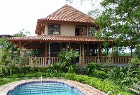 Remax real estate, Costa Rica, Atenas, Bamboo Bali Style Vacation Rental in Picaflora