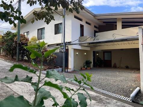 Remax real estate, Costa Rica, Atenas, Home-Commercial-Mix use in perfect town center location