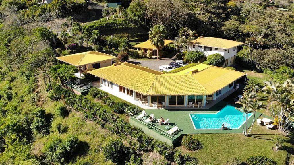 Remax real estate, Costa Rica, Jesús, Established hotel with big views in Atenas exclusive community