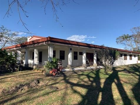 Remax real estate, Costa Rica, Alajuela, Beautiful countryside home