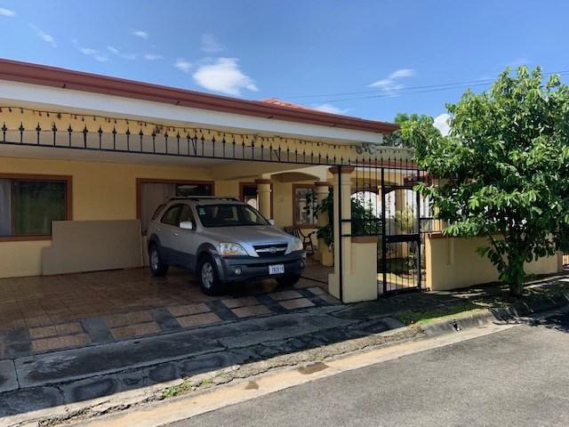 Remax real estate, Costa Rica, La Garita, In secure neighborhood Residencial El Bosque