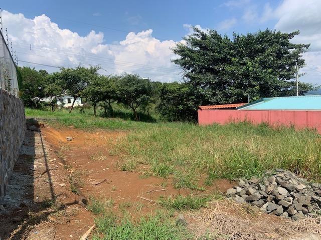 Remax real estate, Costa Rica, Atenas, Nice lot in private community