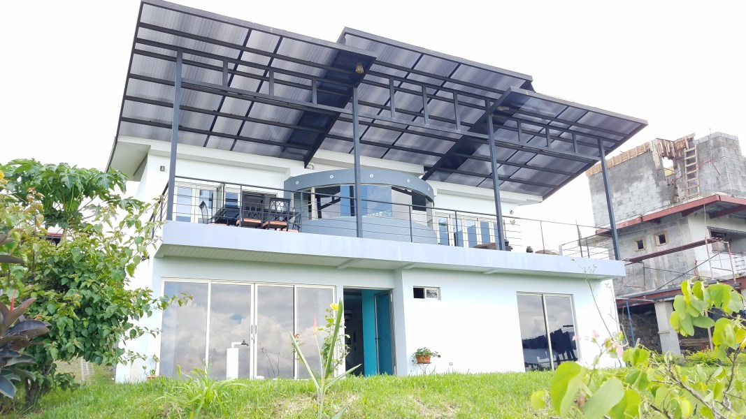 Remax real estate, Costa Rica, Grecia, Modern and contemporary design
