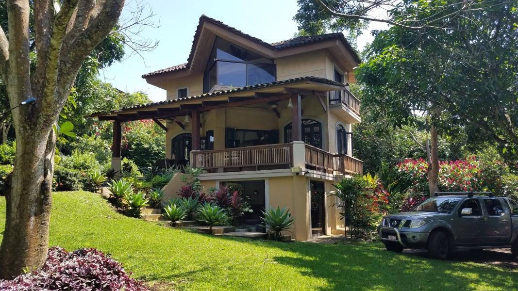 Remax real estate, Costa Rica, Naranjo-Naranjo Centro, Unique Costa Rica home and garden