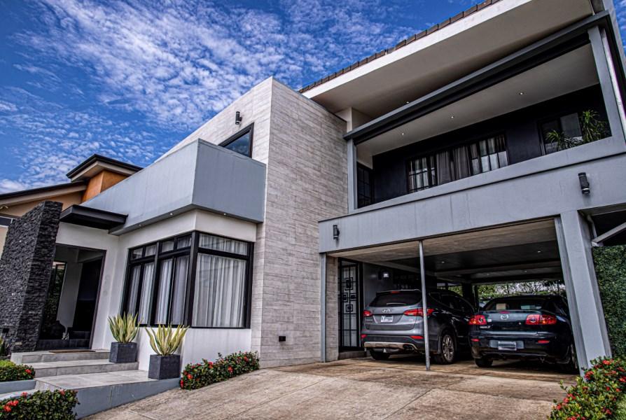 Remax real estate, Costa Rica, Grecia, Fantástica CASA en Grecia