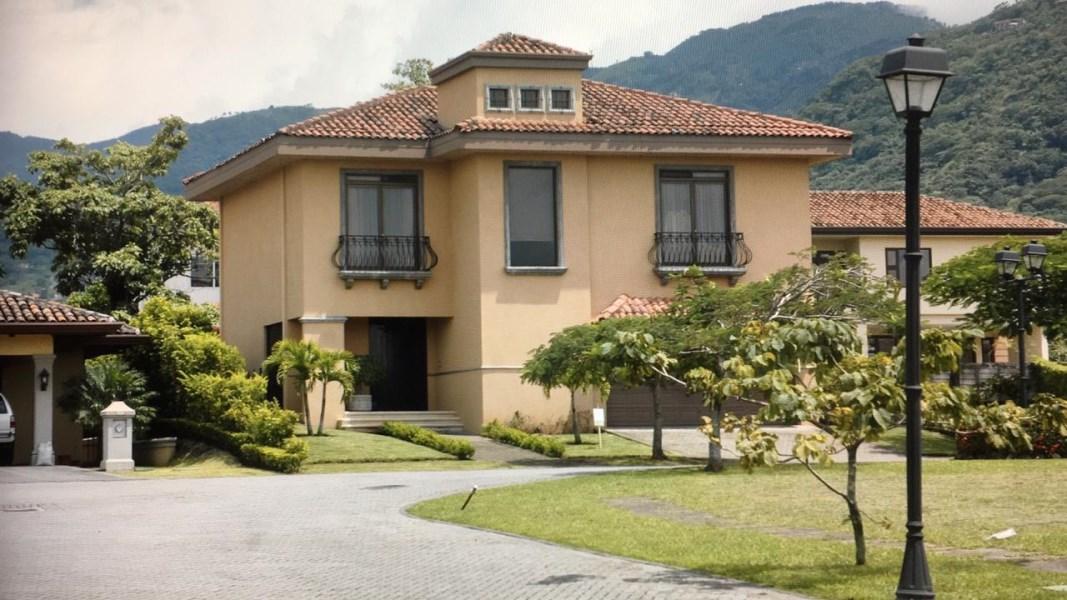 Remax real estate, Costa Rica, Santa Ana, Beautiful elegant house located in condominium in Santa Ana