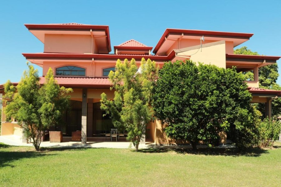 Remax real estate, Costa Rica, Grecia-Tacares, Spacious house in gated community, Grecia