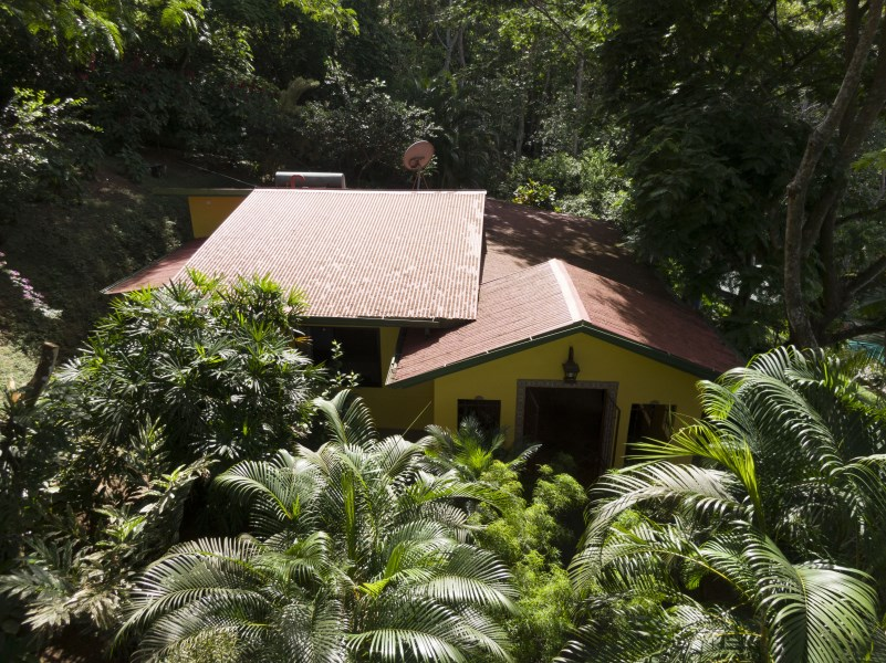Remax real estate, Costa Rica, San Mateo, Beautiful property overlooking the Sea, Pool, House and 2 cabins