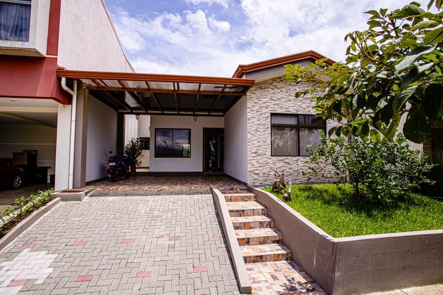 Remax real estate, Costa Rica, Grecia, House in Montezuma Grecia