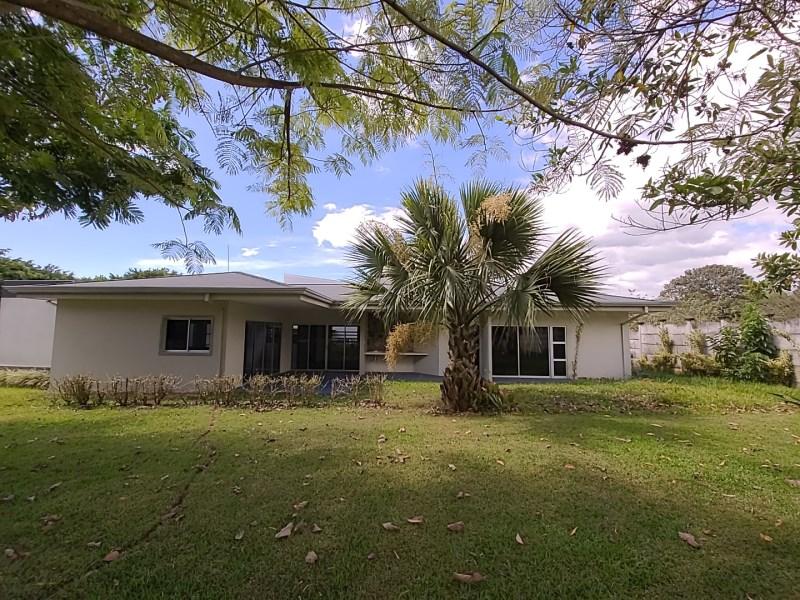 Remax real estate, Costa Rica, Grecia-Tacares, Beautiful one-story house - condominium, Tacares , Grecia