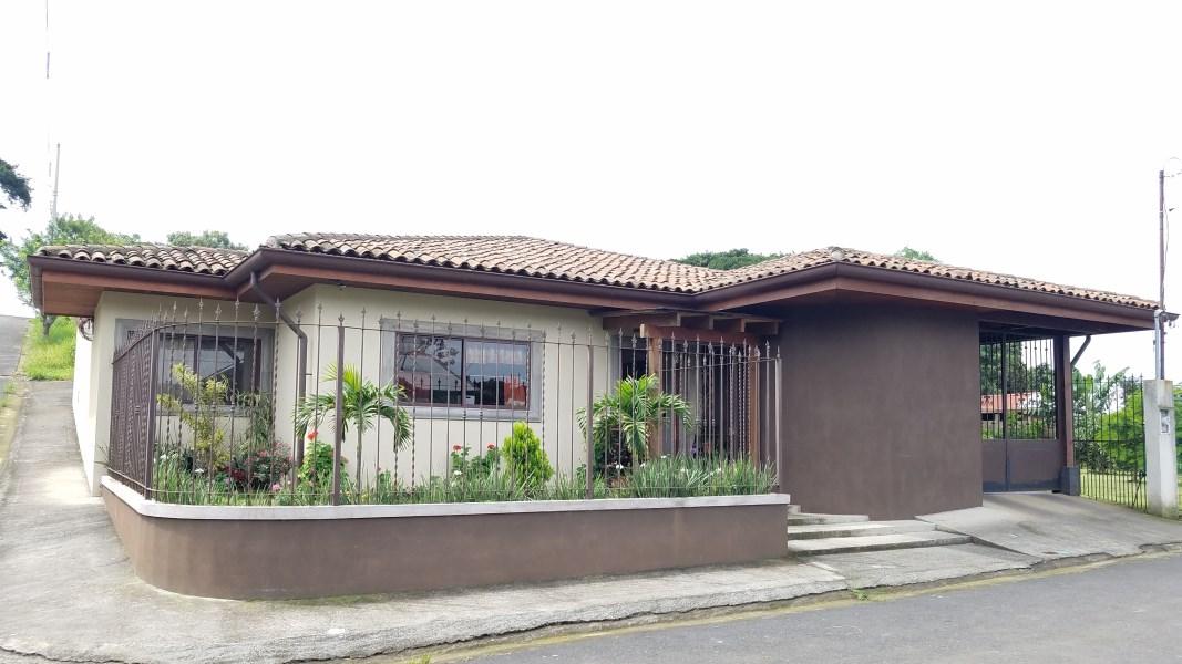 Remax real estate, Costa Rica, Grecia, Hermosa propiedad a minutos del centro de Grecia