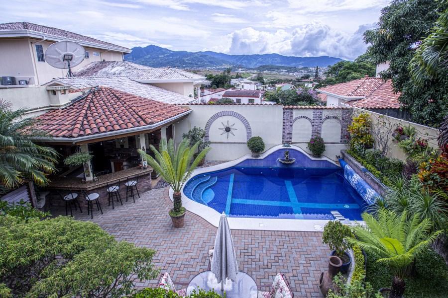 Remax real estate, Costa Rica, Heredia, Rent- semi furnished