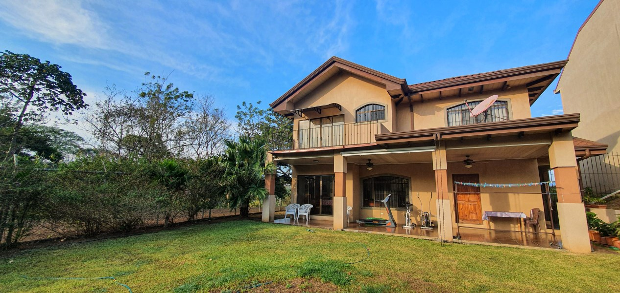 Remax real estate, Costa Rica, Grecia, Bougainvillea House, Grecia